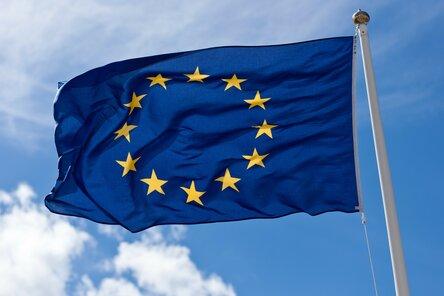 """Источник: bangor.ac.ukТак же часто видел мнение, о цивилизованных странах с их """"неприкосновенностью частной собственности"""", зачем-то сюда приплетёнными. Поясняю. В разных странах, разное законодательство. И если в Великобритании, например, владелец земли, владеет и всеми её недрами, то во Франции или Испании - все богатства земли принадлежат государству."""